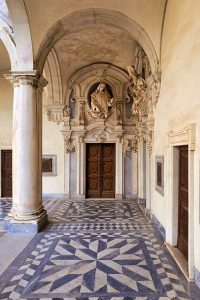 Il porticato della Certosa